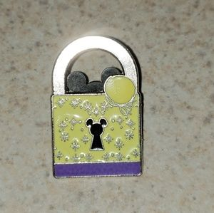 LIMITED RELEASE Tinker Bell lock Disney tradingpin